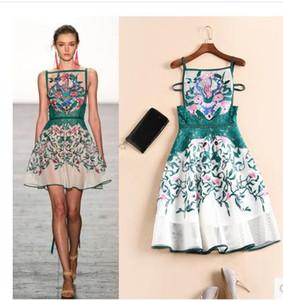 Pist Elbise 2017 Mini Elbiseler Yaz İmparatorluğu Backless Elbise Diz Üstü Kolsuz Nakış Katı Çiçekler Kısa Tarzı 89026