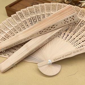 Personnalisé fans de main de bois de santal avec sac en organza faveurs de mariage fan cadeaux de fête Livraison gratuite en vrac 50pcs / lot