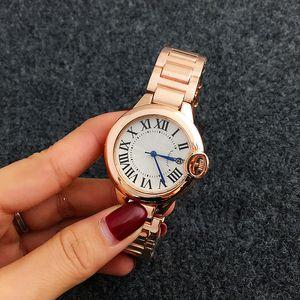 Moda Mulher relógio de quartzo Roma Palavra Dial Estilo Relógios Vestido de luxo designer de moda de aço tira de quartzo relógios por atacado