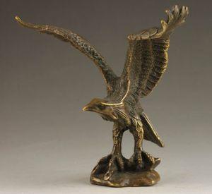 Délicat chinois Collectable À La Main Vieux Sculpture Vivid Bronze Statue Aigle