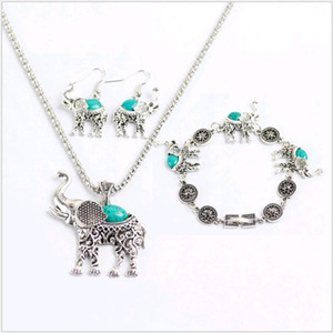 Ensemble de collier de style national Turquoise Elephant Set 3pcs Retro Green Jade Bijoux Set boucle d'oreille et Bracelet