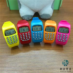 Crianças assistem desenhos animados calculadora eletrônica relógio meninos e meninas assistem fabricantes vendendo