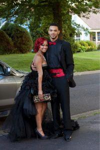 Новое поступление черные высокие низкие платья выпускного вечера милая оборками многоуровневые юбки перо бальное платье выпускного вечера платья