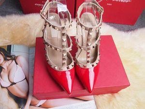 2017 Дизайнер женщин на высоких каблуках партии моды заклепки девушки сексуальные остроконечные туфли Танцевальные туфли свадебные туфли сандалии с двумя ремешками
