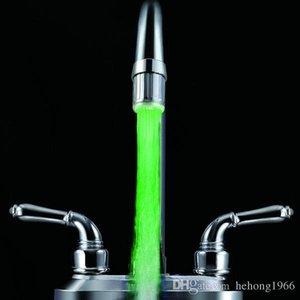 Água Mudança colorido Torneiras LED Faucet Corrente da lâmpada de incandescência lisa Tap Lâmpadas Moda Ferramenta Home 7 8RB R