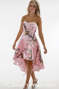 Abiti convenzionali di colore rosa Camo abiti da sposa abito senza spalline Hi-Lo brevi Bridesmaids' fatto su misura (senza velo)