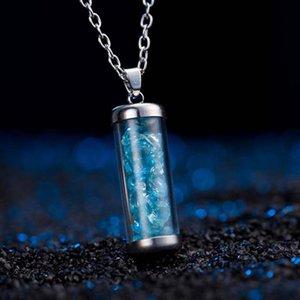 Boutique che vende collana cilindrica geometrica perline multicolore con gioielli semplici ornamenti per donne