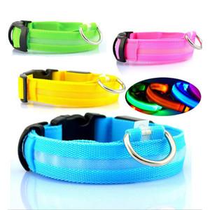 Nueva venta caliente de Nylon LED para mascotas Collar de perro, Seguridad de la noche Destellando en la correa de perro oscuro, Perros Collares fluorescentes luminosos Suministros para mascotas