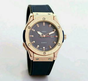 Reloj hombre 44mm büyük arama gün tarih erkek altın İzle etiketi Yeni marka casual erkekler otomatik saatler siyah Deri kol saati usta kuvars saat