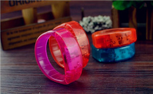 Musique Activé son contrôle Led clignotant Bracelet Light Up Bracelet Wristband du Club Bar Party Cheer lumineux Bague main Glow Stick Night Light