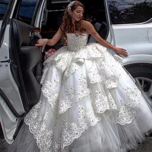 Vestidos de casamento vestidos de bola de luxo vestidos pesados beading de renda camadas strapless vestidos nupciais camadas de tule 2018 costume vestidos de casamento de Dubai