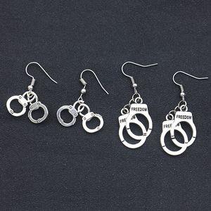 Neue Freiheit Handschellen Ohrringe Mini Handschellen Anhänger Baumeln Ohr Manschetten für Frauen inspiration Modeschmuck Geschenk Tropfenverschiffen