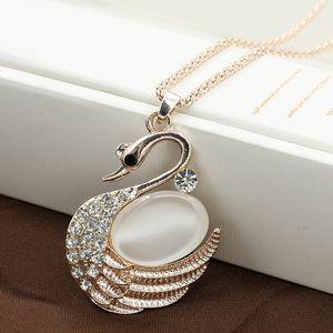 Mode Classique Petit Cygne Pendentif Collier Cristal Opale Pull Chaîne Longue Colliers Bijoux pour Femmes Fille Cadeau Nouveau Style