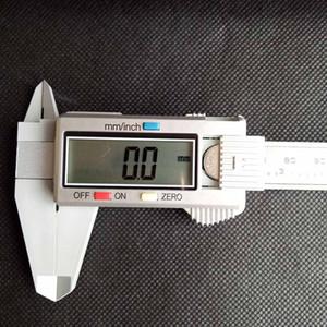 150mm 6inch LCD Digital Electronic Carbon Fiber Vernier Caliper Gauge Micrometer Plastic Caliper Retail Box Black silver color