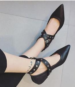 Hot Sale Lady Classic Pointed Toe Pumps Women Rivets Flats Shoes Elegant Dress Shoes Black Leather Shoes Size 35-39