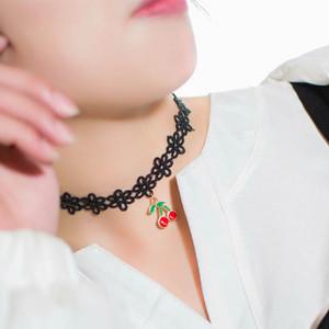 2017 nouvelle arrivée version coréenne de la nouvelle mode dentelle choker cerise pendentif collier créatif fine ornements en dentelle