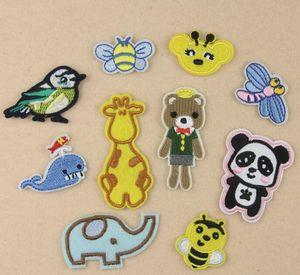 NUEVO Hierro En Parches DIY etiqueta Parche Bordado Para la ropa ropa Insignias de tela Peces de costura panda animal diseño de dibujos animados