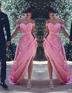 Sexy fuera de los vestidos de dama de honor del hombro Largo con apliques de encaje Sash Una línea Vestido de invitados de boda Dama de honor Vestidos de cóctel baratos