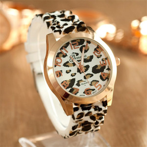 Moda Ginebra Mujeres Vestido Relojes Leopard Print Reloj de Silicona Relojes de Oro Ladies Jalea Casual Reloj de Cuarzo Reloj de pulsera de Regalo