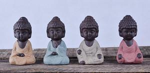 Piccola statua del Buddha Statua del Monaco India Mandala Tea Artigianato in ceramica Ornamenti decorativi per la casa Miniature