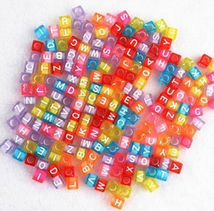 Navio livre 1000 Pcs Mixed Alphabet Letter Acrílico Plana Cube Spacer Beads 7mm