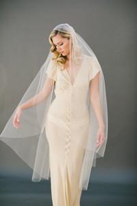 Juliet Stil Kappe Hochzeit Schleier Weiß Elfenbein Champagne eine Schicht Brautschleier knielangen Strass Rand