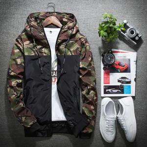 Camo Jacket Men parte padrão de camuflagem cor de contraste com capuz impermeável Zipper Rib manga comprida Windproof Jacket Slim Fit para homem navio livre