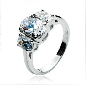 Всего 2.41 ct роскошные три камня полу крепление кольцо синтетический алмаз обручальное кольцо 18K белое золото покрытием параметры обручальное кольцо