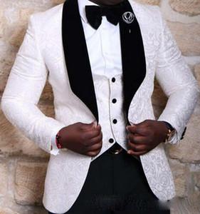Nueva marca Groomsmen mantón de terciopelo solapa Novio Esmoquin rojo blanco negro hombres trajes boda mejor hombre Blazer (chaqueta + pantalones + arco)