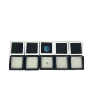 100 Adet Plastik Gevşek Elmas Ekran Paketi Kutusu Kare Beyaz Gem Vaka siyah Beyaz Köpük Pad Boncuk Kolye Kutusu Beyaz Gem Vitrin 3 * 3 * 2 cm