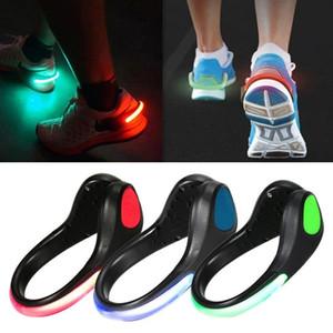 Clip lumineux de lumière de chaussure de LED allume des clips de chaussure de nuit Chaussure de train de nuit Lumières clignotantes LED réfléchissantes pour coureurs