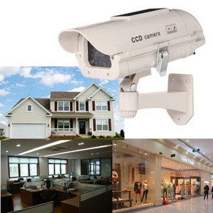 Solar Power Fake Dummy Simulation Camera CCTV Security Surveillance LED lampeggiante
