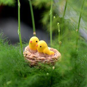 Vente en gros Mini-nid avec oiseaux fée jardin miniatures gnomes mousse terrariums en résine figurines artisanat pour la décoration accessoires de bricolage