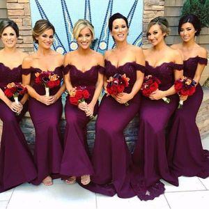 Vestidos de dama de honor de sirena africana sexy fuera del hombro Vestido de dama de honor púrpura Vestido de fiesta largo Vestido de invitado de boda barato