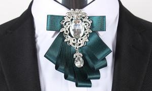Neue Herrenhemden Broschen Pins Qualitäts-Mann-Klage-Doppelband Kragen Pin Hochzeit Handgemachte Strass Pins Broschen
