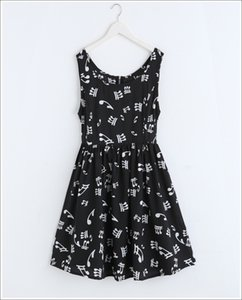 Free shipping New hot sale casual fashion black and white music note wild vest dress music style wome dress