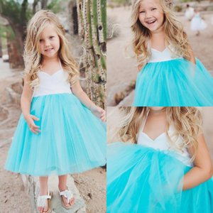 Прекрасный 2017 малыш короткие девушки цветка платья для Country Beach Garden свадьбы дешевые Холтер складки длиной до колен девушки Dress повседневная EN11182