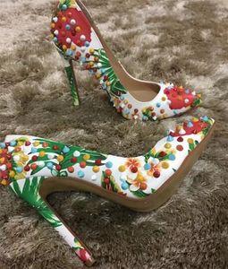 Nueva Llegada de Lujo Mujeres Bombas Sexy Colorido Remaches Tacones Altos, Mujeres de la Marca Dedo Del Pie Rojo Parte Inferior Vestido de Fiesta Zapatos de boda tamaño 34-45