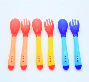 Baby Temperature Sensing Spoon and Fork Safety Feeding Flatware Baby Feeder Utensils Feeding Spoon Tableware c025