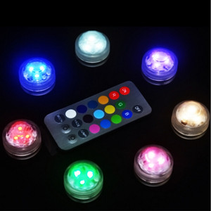 12pcs / Lot SUPER Lumineux 3CM Mini Sous Vase Floral Light 3LED Submersible Bougie Lumières Party Christmas Imperméable À L'eau LED Tea Light Avec À Distance
