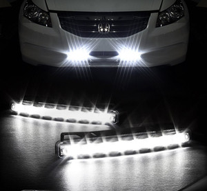 Universal DRL 2 Unids DC 12 V 8 W 8 LED Coche conducción Diurna Running Light Head FOG Lámpara Super Color Blanco Impermeable Externo Led Car Styling