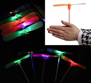 LED luminosi volanti illuminano giocattoli lampeggianti Bamboo Dragonfly Electronic economici per bambini regalo decorazione del partito