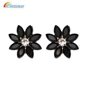 AOTEMAN Mode Nouveau Design Cristal Fleur Stud Stud 13 Couleurs Déclaration Bijoux Pour Femmes En Gros