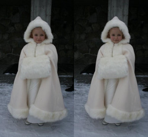 2019 Winter Warm Flower Girls Faux Fur Girl Wrap White Ivory Fur Shawl Cloaks Jacket Boleros Shrug Wedding Dresses Little Children Cap Wrap