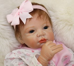 55 cm / 22 polegada Handmade Reborn Baby Doll Girl recém-nascido a vida como Soft vinil de silicone suave suave toque pano corpo magnética chupeta / YDK-75R1
