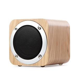 2018 nouveau mode populaire rétro en bois bluetooth haut-parleur bois radio carrée FM vibro woofer boombox caixa de som portatil altavoz alto falante