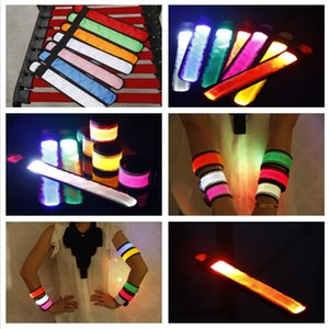 8 colori Bracciale LED Lampeggiante Giocattoli Magic Nylon LED Sport Wristband Light Flash Bracciale Bracciale incandescente per un concerto di festa