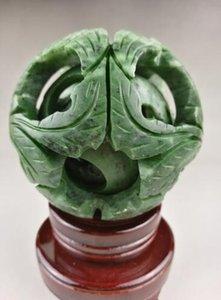 Jade verde chinês velho esculpido fengshui dragon ball magia com base de madeira Exquisite jade ball ..