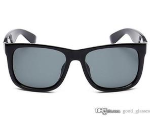 Occhiali da sole classici moda per gli uomini delle donne di Sun di vetro di marca specchio Occhiali da sole raffreddare Shades maschio occhiali con i casi in linea