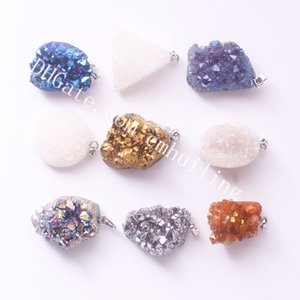 Mini Titanyum Melek Aura Kuvars Kolye Drusy Noktası Druzy Geode Kolye Geometrik Doğa Beyaz Drusy Titanyum Kaplamalı Kristal Küme Kolye